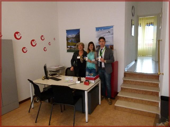 Questo è lo Staff di Holidayrentalslakemaggiore: da sinistra Paola, Alessia e Luca
